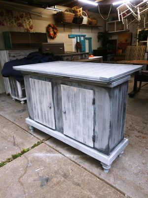 Salvaged Farmhouse Kitchen Island! Planks & Shiplap! for Sale in Joliet, IL