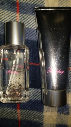 Victoria's secret lotion and spray for Sale in Fresno, CA