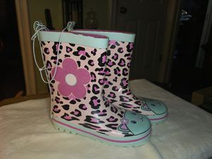 NEW LAURA ASHLEY PINK LEOPARD RAIN BOOTS SIZE Y13 in Inglewood 90301 for Sale in Los Angeles, CA