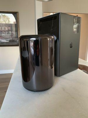 Apple Mac Pro 2013 Model 3.0GHz 8-Core 64GB RAM 2x FirePro D500 1TB SSD for Sale in Queens, NY