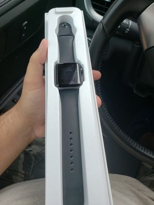 apple watch series 3 42mm unlocked for Sale in Hialeah, FL