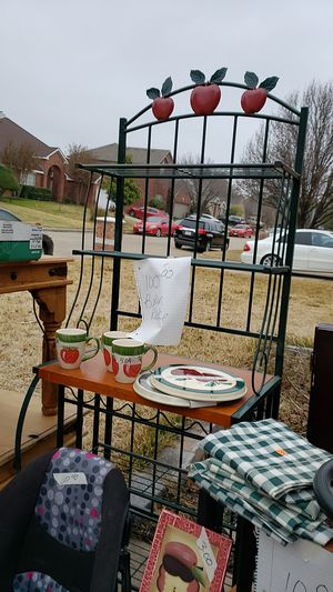 Apple Baker rack with wine holder for Sale in Watauga, TX