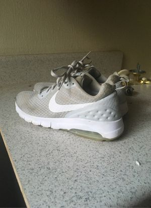 Nike air women's shoes size 9 for Sale in Gibsonton, FL