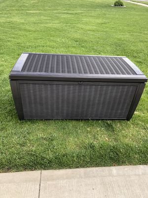 Keter deck box for Sale in West Bloomfield Township, MI
