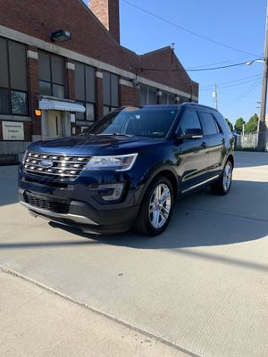 2016 Ford Explorer XLT CLEAN TITLE for Sale in Troy, MI