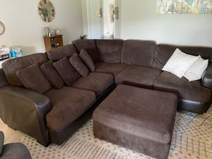 Kevin Charles Sectional Couch for Sale in Port St. Lucie, FL