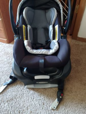 Baby trend car seat for Sale in Fayetteville, AR
