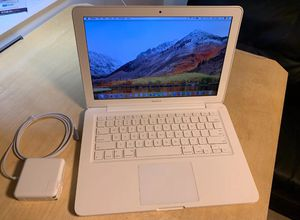 "13"" White Apple MacBook Laptop - 4GB RAM / 250GB HDD / New Battery & Charger * Works Great, Fast, 2017 MacOS High Sierra* for Sale in Los Angeles, CA"