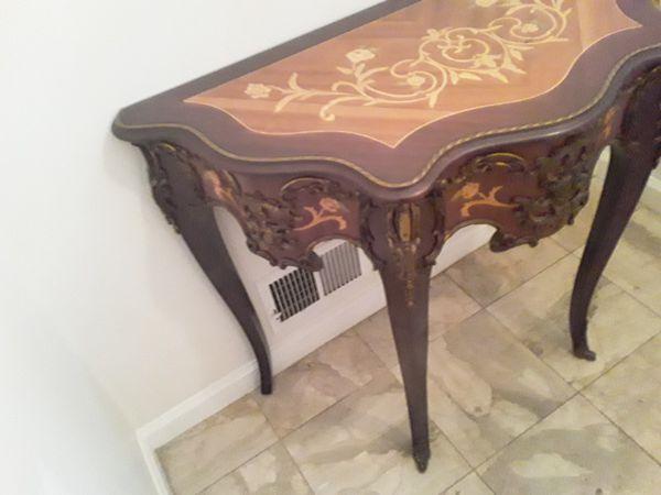 French Gilt Corner Table Moving Asap