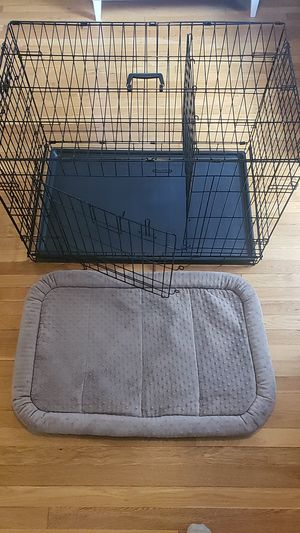 MidWest 32x22x24 Dog Crate with divider and Dog Bed for Sale in Rockville, MD