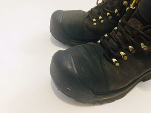 Keen boots 9 work boots for Sale in Bolingbrook, IL