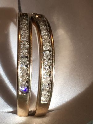 10k Genuine Diamond hoops for Sale in Suffield, CT