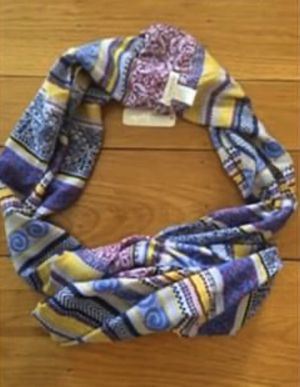 NWT Infinity Wrap Around Scarf for Sale in Oakland, CA