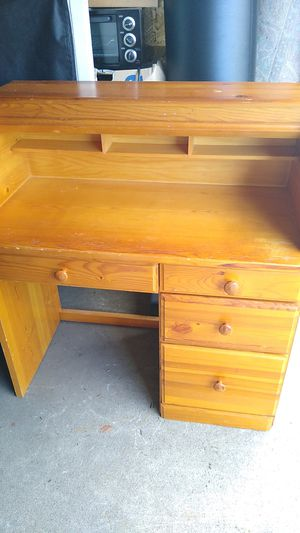 Desk for Sale in Hilliard, OH