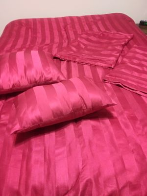 Queen Comforter set reversible for Sale in Menifee, CA