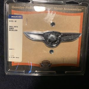Harley OEM Skull with Wings Chrome Medallion, New Original Equipment for Sale in SeaTac, WA