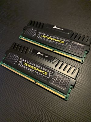 CORSAIR VENGEANCE 16GB (2x8GB) DDR3 RAM for Sale in Los Angeles, CA