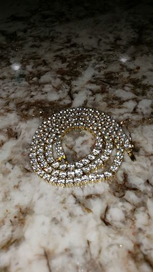 """20"""" - 14k gold diamond tennis chain for Sale in Severn, MD"""