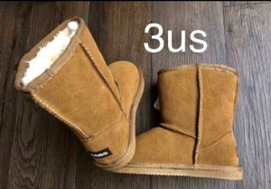 Brand New girls boots Lamo, 3us (big kids) for Sale in Englewood, CO