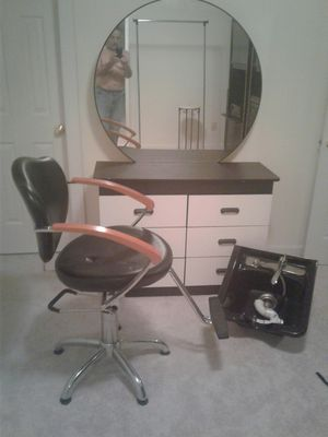 Chabad for doctors beauty salon chairs and dresser with mirror for Sale in Springfield, VA