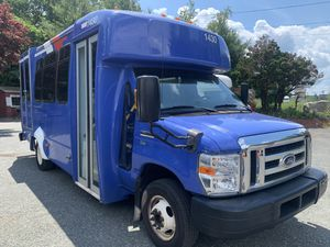 2013 E350 14 passenger bus with lift for Sale in Canton, MA