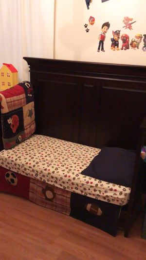 Baby Cache Vienna 3 in 1 Crib/Toddler/ Full bed for Sale in New York, NY