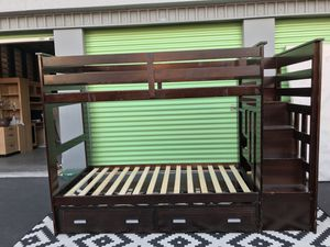 BEAUTIFUL NICE DESIGN WOOD BUNK BED WITH BUILT IN STEP WITH DRAWERS IN GOOD CONDITION.. for Sale in Las Vegas, NV