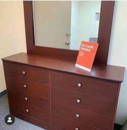 DRESSER WITH MIRROR for Sale in Mission Viejo,  CA