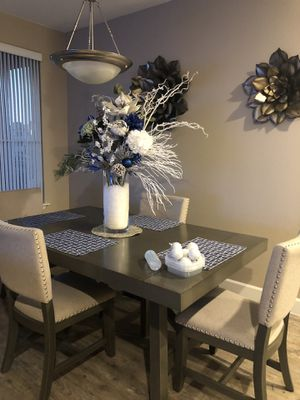 GRAY DINING TABLE ABSOLUTELY GORGES! for Sale in Chandler, AZ