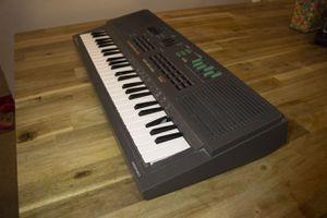 Vintage Yamaha PortaSound PSS 460 Portable Electronic Keyboard/ Synthesizer for Sale in Skokie, IL