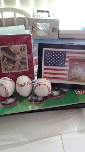 BABE RUTH CERAMIC U.S STAMP ORNAMENT 2000 AND CRACKER JACK BASEBALL CARD CUSTOM FRAMED (RP) for Sale in Whittier, CA