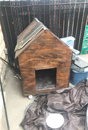 Dog house for Sale in Queens, NY
