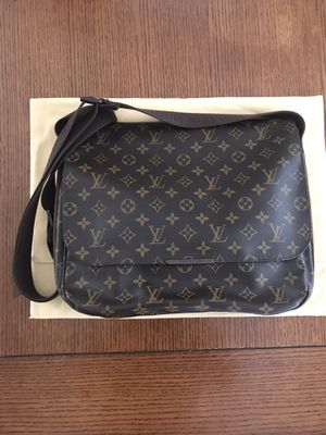 Louis Vuitton Messenger Bag for Sale in Lakewood, CA