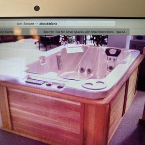 5 X 7 Hot Tub From Spa Manufacturers Inc for Sale in Tempe, AZ
