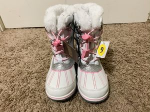 Little Girls Winter Boots for Sale in Mabank, TX