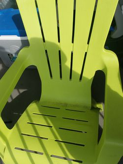 chairs with small table for Sale in Gresham,  OR