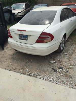 2005 Mercedes clk for parts only for Sale in Dallas, TX