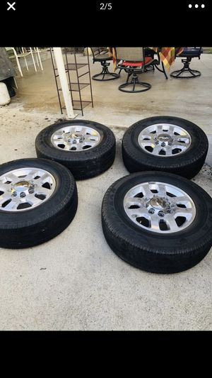 265/70R18 set of tires 8 lugs 4 Chev Good Year for Sale in Los Angeles, CA