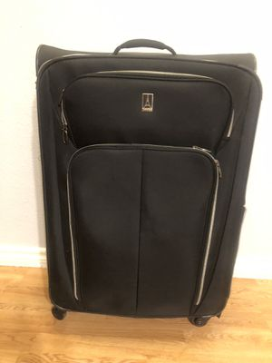 Travelpro big size suitcase . for Sale in Burleson, TX