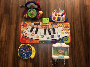 bright starts toys bundle for Sale in Houston, TX