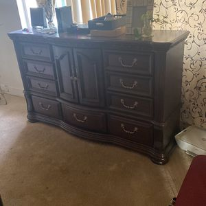 For The Bedroom for Sale in Riverside, CA