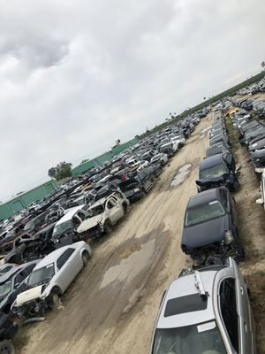 Thousands Of Car Parts for Sale in Fresno, CA