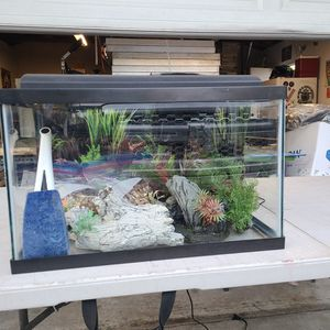 10 Gallon Fish Tank Kit for Sale in Los Angeles, CA