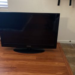 36 Inch Samsung TV for Sale in Downey,  CA