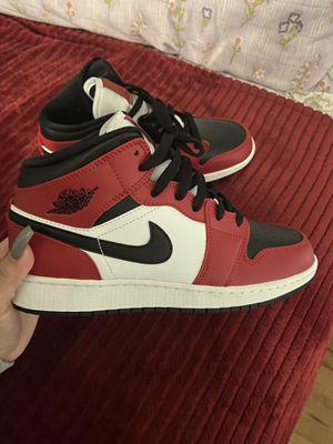 Jordan 1 Mid Chicago Toe 6Y for Sale in Lilburn, GA