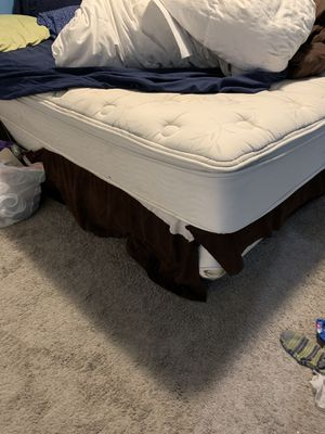 King Size Bed Mattress + box for Sale in Kirkland, WA