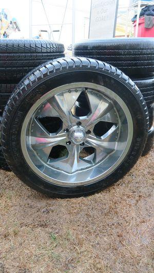 Used Pirelli Scorpion Zero 305/40R22 Extra Load Tire With Rim Like New for Sale in Artesia, CA