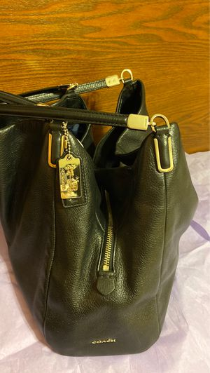 Leather coach bag for Sale in Affton, MO