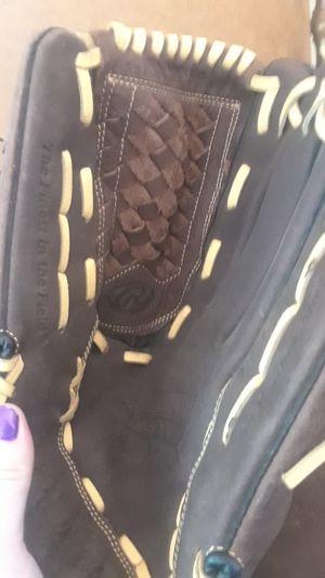 Rawlings Baseball glove for Sale in Las Vegas, NV