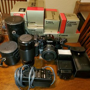 Vintage Canon A1 camera Kit for Sale in Norco, CA
